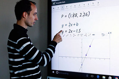 Erik Weitnauer demonsrates Graspable Math on a white screen